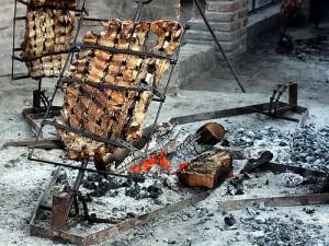 La preparazione dell'asado in Argentina