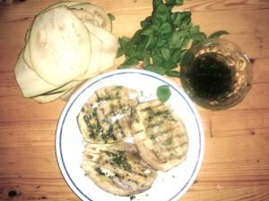 Le melanzane grigliate al basilico, contorno e antipasto