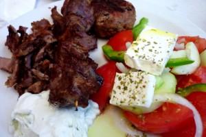 Feta, Gyros e il cappello da chef. La cucina greca